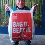 Warwick Davis Bags It For British Heart Foundation