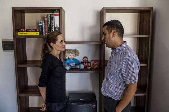UNHCR Special Envoy meets Ayman Mustafa, a Syrian refugee from Aleppo, during her visit to Malta.
