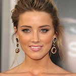 Amber Heard Honored By The Art Of Elysium