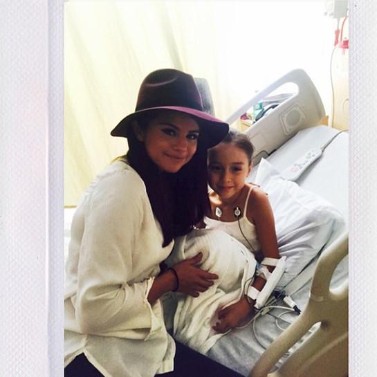 Selena Gomez Visits Children's Hospital Los Angeles