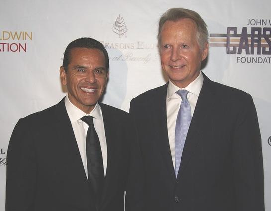 Los Angeles Mission 2014 Legacy of Vision Award Honorees Mayor Antonio Villaraigosa and Congressman David Dreier