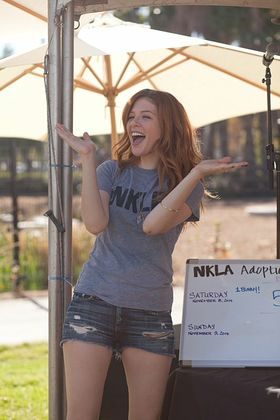Rachelle Lefevre cheers on adopters at the Best Friends NKLA Adoption Weekend