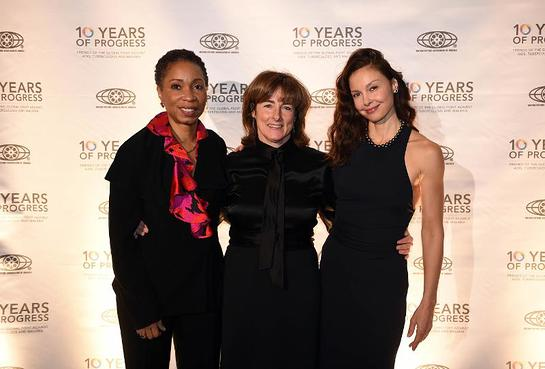 Friends of the Global Fight President Deb Derrick, center, is joined by actor, author and PSI ambassador Ashley Judd, right, and Friends board member and CARE President/CEO Helene Gayle