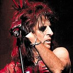 Alice Cooper Pulls Charity Plum From The Pudding