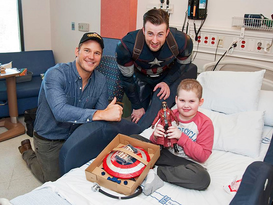 Chris Pratt and Chris Evans visit Seattle Children's Hospital