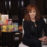 Reba McEntire And Friends Outnumber Hunger