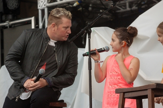 Rascal Flatts' Gary LeVox and his 7-year-old niece, Lexi Vernon