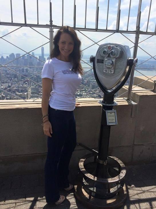 Kristin Davis On The Empire State Building