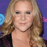 Amy Schumer Offers Disappointing Lap Dance For Charity