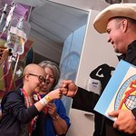 Garth Brooks Unveils Child Life Zone At Texas Children's Hospital