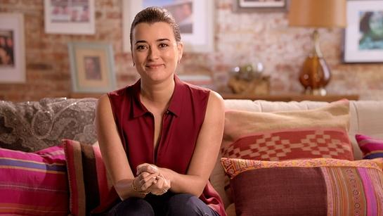 Actress Cote de Pablo supports gynecologic cancer awareness