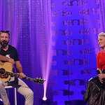 Pink Donates $50,000 To Autism Speaks At Celebrity Chef Gala
