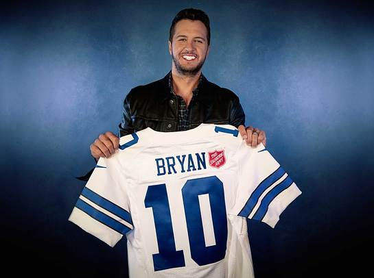 Luke Bryan will take the stage for this year's Salvation Army Red Kettle Kickoff halftime performance