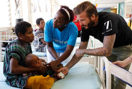 David Beckham met children receiving treatment for malnutrition at a UNICEF-supported hospital in Papua New Guinea